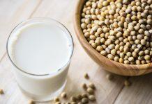 Pflanzenmilch enthält jede Menge Kalzium